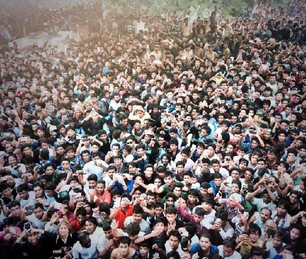 Shahrukh Khan's Birthday At Mannat: Photos