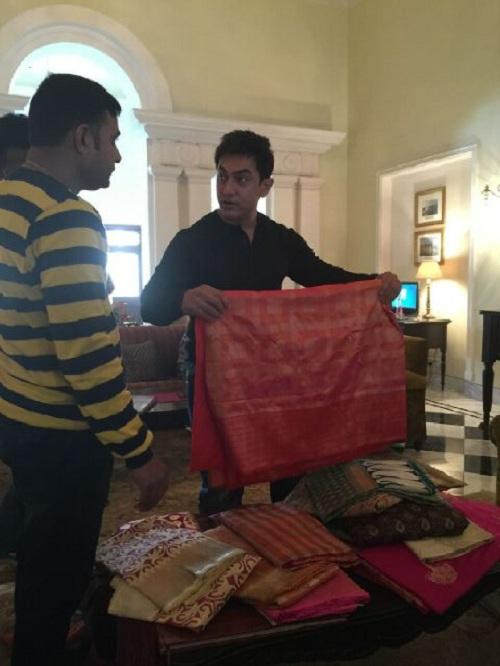 Aamir Khan buys Banarasi sari for Anushka