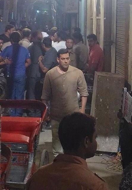Salman Khan on the sets of Bajrangi Bhaijaan