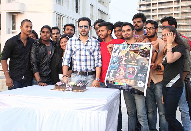 Emraan Hashmi celebrates birthday with fans
