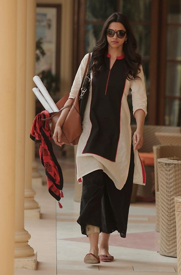 Piku movie still - Deepika Padukone
