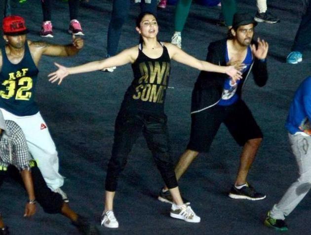 Anushka Sharma practices for IPL opening ceremony