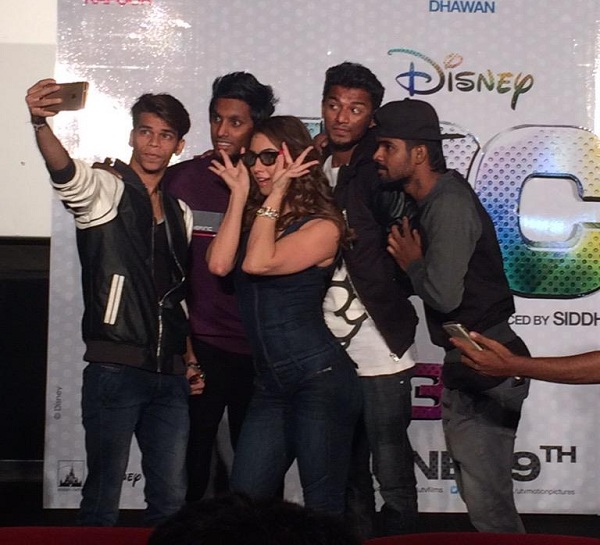 Lauren Gottlieb posing for selfie