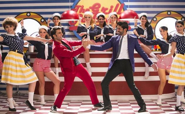 Ranveer Singh, Farhan Akhtar in Dil Dhadakne Do Title Song