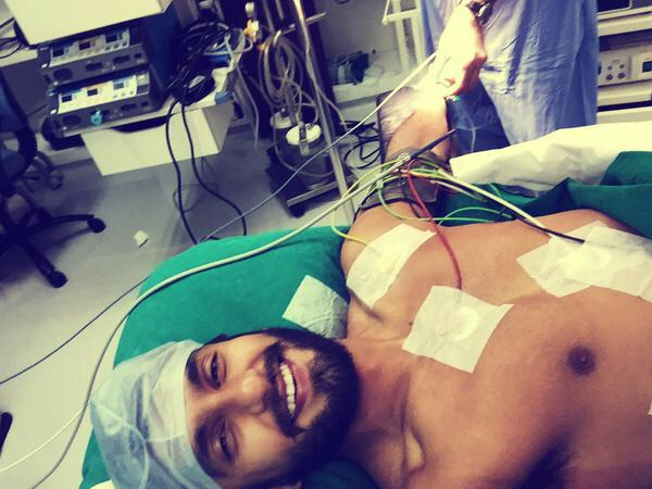 Ranveer Singh tweets live while undergoing surgery