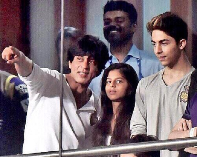 SRK with daughter Suhana and son Aryan