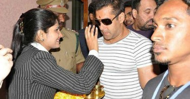 Salman Khan at Udaipur airport