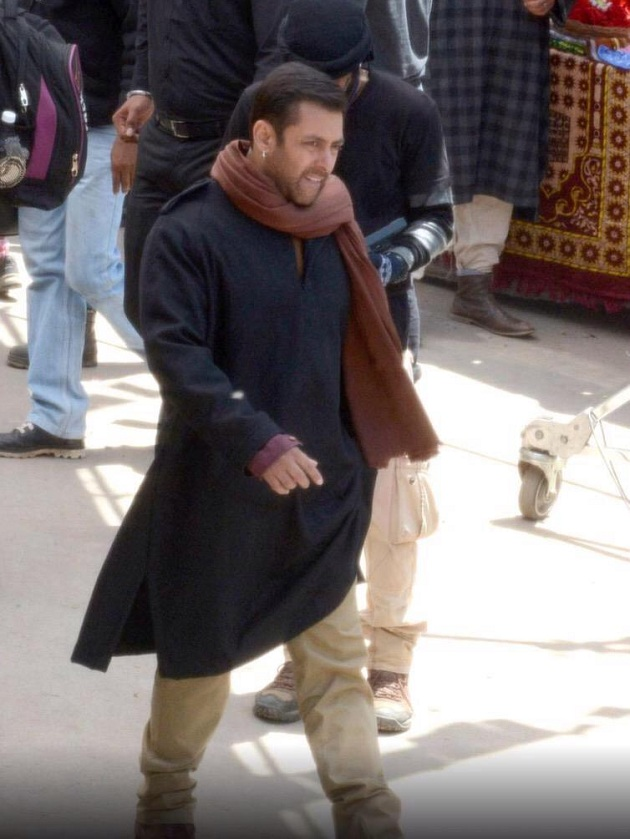 Salman Khan shooting for Bajrangi Bhaijaan in Kashmir