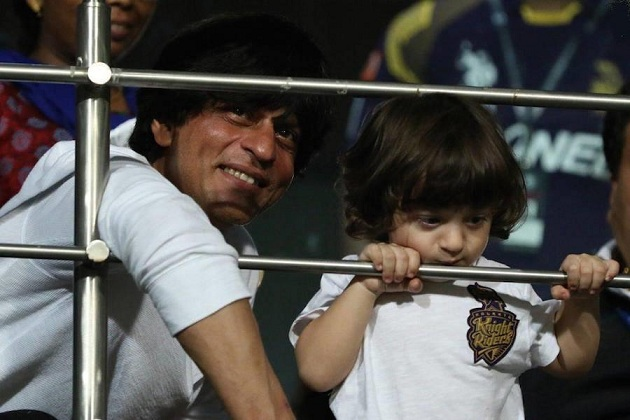 Shahrukh Khan brings AbRam along to watch his first IPL match