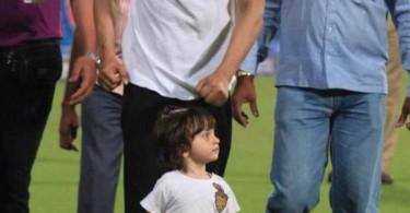 Shahrukh Khan with AbRam at Eden Gardens