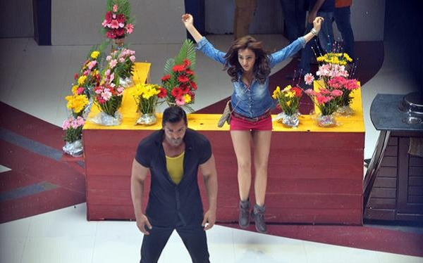John Abraham, Neha Sharma Hera Pheri 3 on location