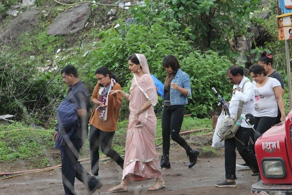 Sonam Kapoor Prem Ratan Dhan Payo on location