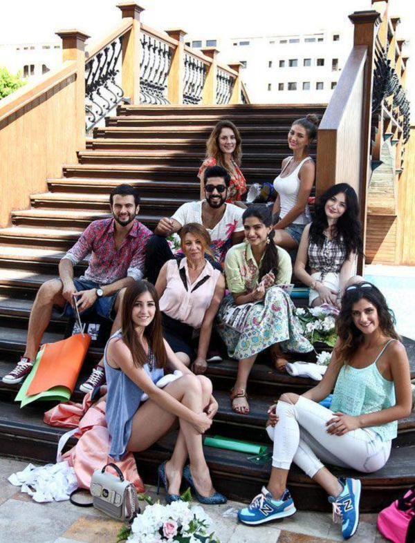Sonam Kapoor Dheere Dheere on location