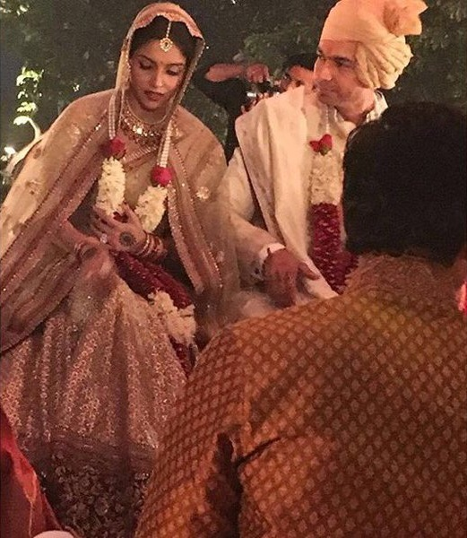 Asin Thottumkal Wedding Photo