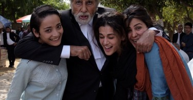 Amitabh Bachchan, Taapsee Pannu on the sets Pink