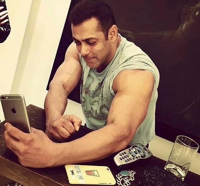 Salman Khan Spotted Taking A Selfie Of His Biceps