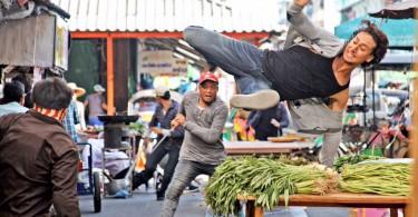 Tiger Shroff flexes muscles in Baaghi new still