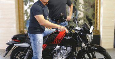 Aamir Khan buys his new bike Bajaj V