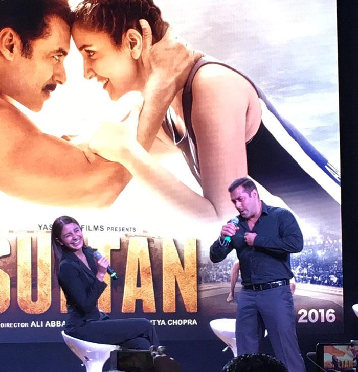 Salman Khan, Anushka Sharma at Sultan Trailer Launch