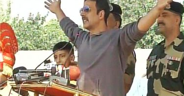 Akshay Kumar pays tribute to Indian soldiers at BSF Camp in Jammu