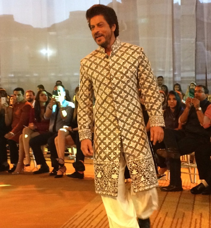 Shahrukh Khan at Mijwan 2017 fashion show
