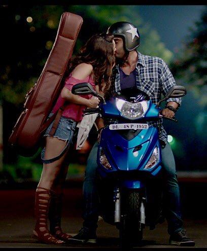 Arjun Kapoor, Shraddha Kapoor Half Girlfriend Still