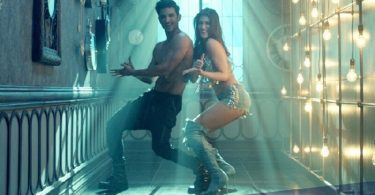 Main Tera Boyfriend Song Still - Raabta