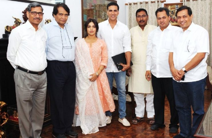 Toilet Ek Prem Katha Team with Suresh Prabhu