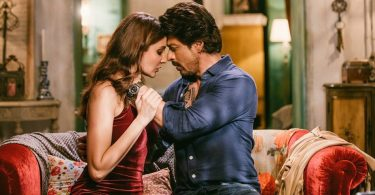Hawayein Song Still - Shahrukh Khan, Anushka Sharma