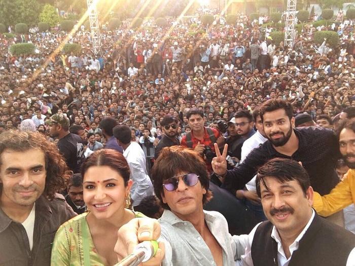 Shahrukh, Anushka, Imtiaz Ali promote Jab Harry Met Sejal