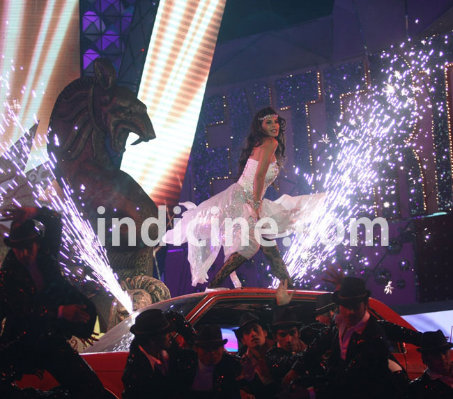 Jacqueline performs at BIG Star Entertainment Awards 2011