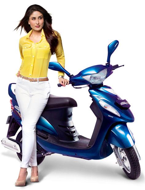 Kareena Kapoor with Mahindra Rodeo