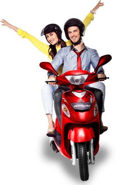 Kareena Kapoor's new Ad for Mahindra Rodeo