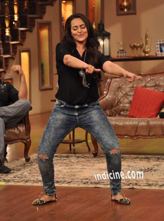 Sonakshi promotes Once Upon A Time In Mumbaai 2