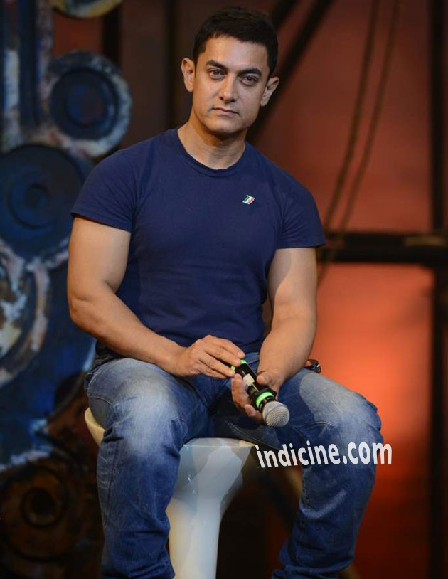 Aamir Khan at Dhoom Machale song launch