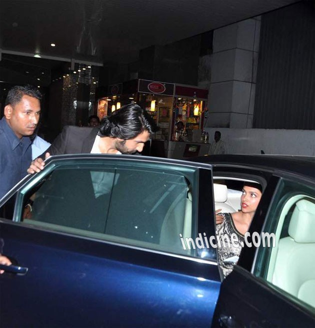 Deepika with Ranveer outside the airport