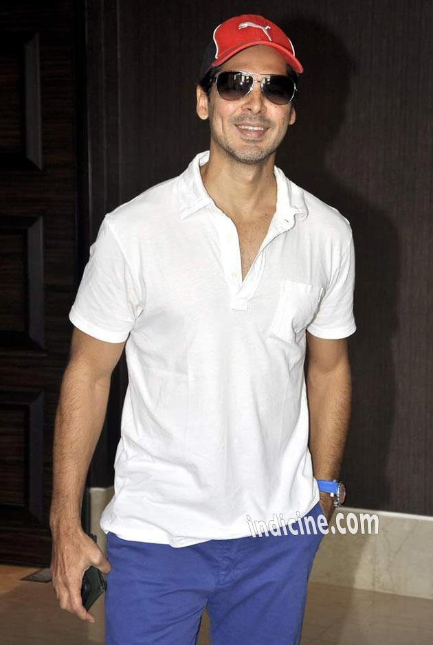 Dino Morea at launch of Deanne Pandey's fitness book Shut Up and Train