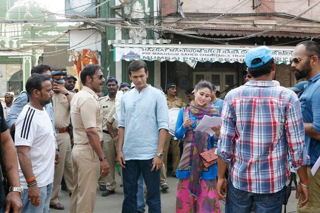 Ajay Devgn and Kareena Kapoor on the sets of Singham 2
