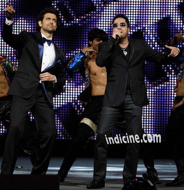 Hrithik Roshan, singer Mika Singh perform at IIFA awards