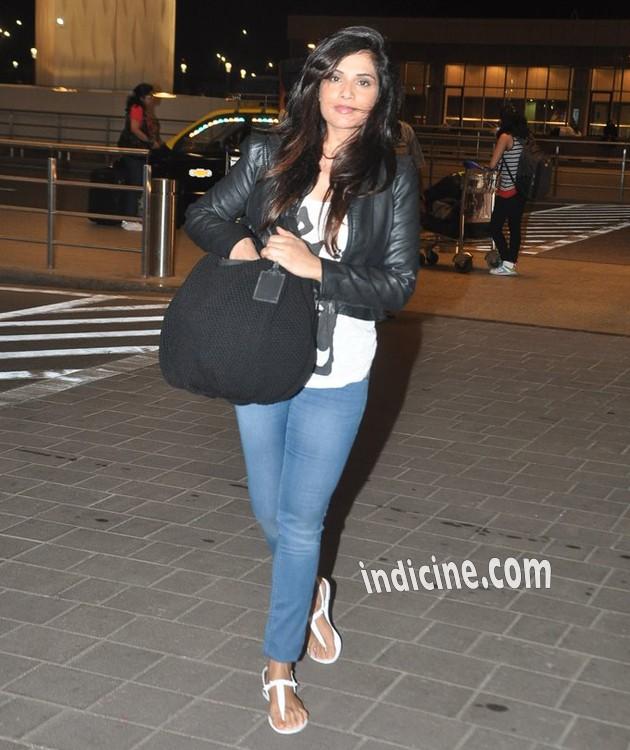 Richa Chadda leaves for IIFA