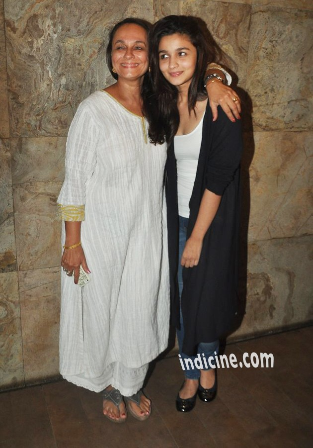 Alia Bhatt with mother Soni Razdan