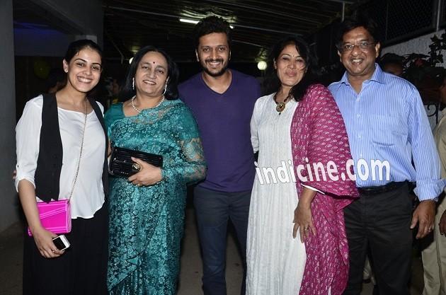 Genelia D'Souza, Vaishali Deshmukh, Ritesh Deshmukh, Jeanette Dsouza and Neil Dsouza