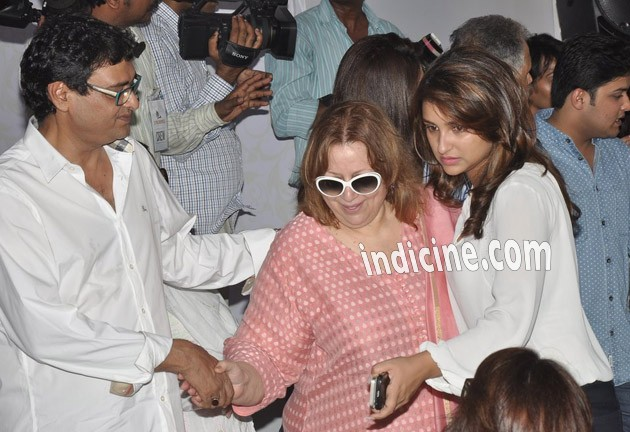 Parineeti Chopra with mother Reena Chopra