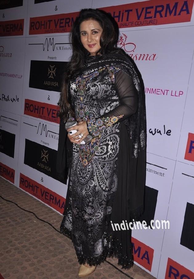 Poonam Dhillon at Rohit Verma bridal show
