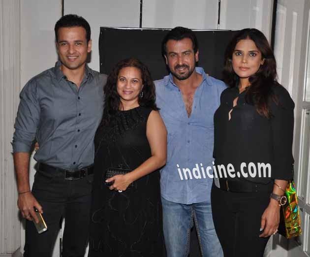 Rohit Roy, Manasi Joshi Roy, Ronit Roy and Neelam Singh