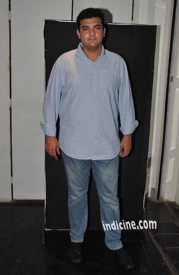 Siddharth Roy Kapur at Amit Sadh's birthday bash