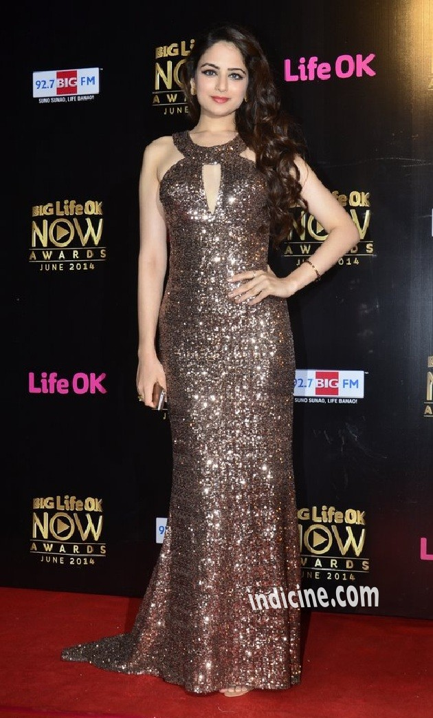Zoya Afroz at Big Life OK Now Awards