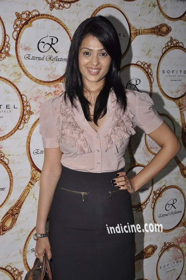 Anjana Sukhani at Eternal Reflections launch