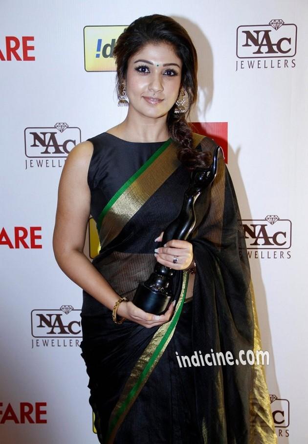 Nayanthara at Idea Filmfare awards 2013