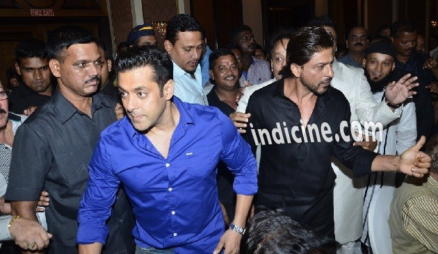 Salman Khan, Shahrukh Khan at Iftaar party